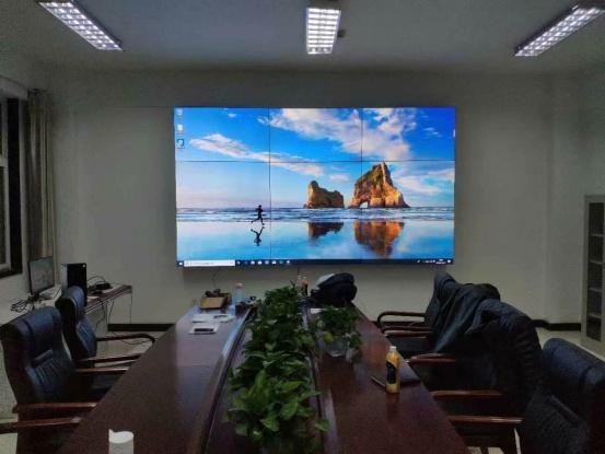 合适的会议室拼接屏